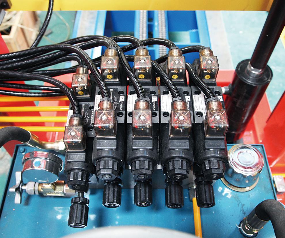 自动双牵引机油路阀